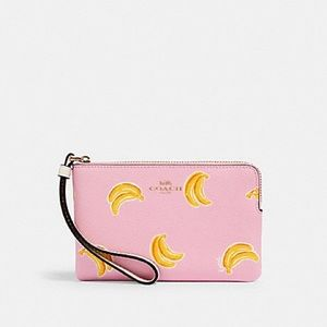 NWT Coach banana print wristlet!! PRICE FIRM